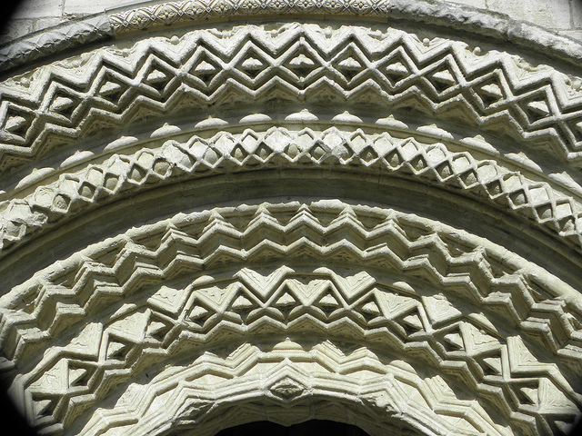 Arch at Selby Abbey (c) Irenicrhonda/Flickr