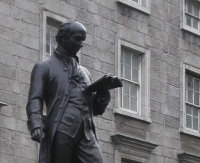Detail of the Goldsmith statue outside Trinity College Dublin Source: Wikicommons/CC (Edit)