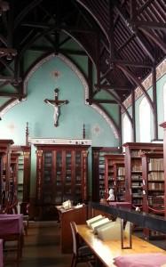 Russell Library interior © IrishPhilosophy.com (CC)